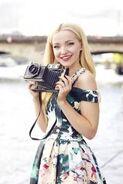 F62b6fa1e27dd80f0dc2369edaa08408--dove-cameron-outfits-dove-cameron-style