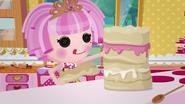 NS1E02B Jewel haciendo un pastel