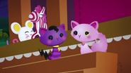 NS1E04A Ambos gatos2