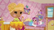 Lalaloopsy S2E4 - Life of the Parties - Mari plans Pillow's party