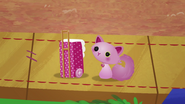 NS1E07B Cat con balija