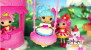 Lalaloopsy Musical Cake Donut Swing