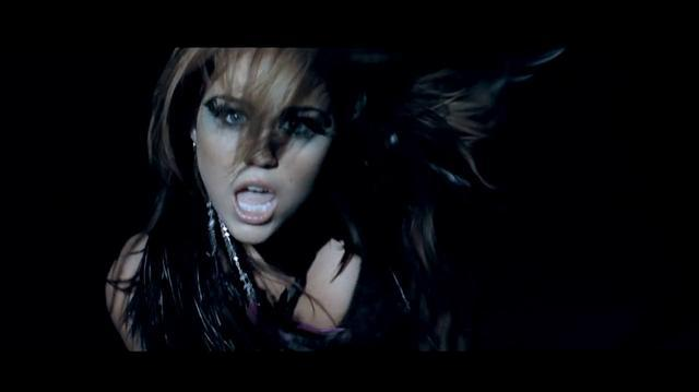 "Miley Cyrus ""Can't be tamed"""