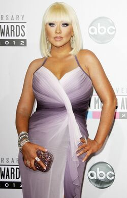 Christina-aguilera-40th-anniversary-american-music-awards-02