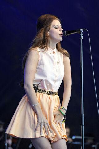 File:Mika+performs+Lovebox+Festival+held+Victoria+0KcsSRlyeTwl.jpg