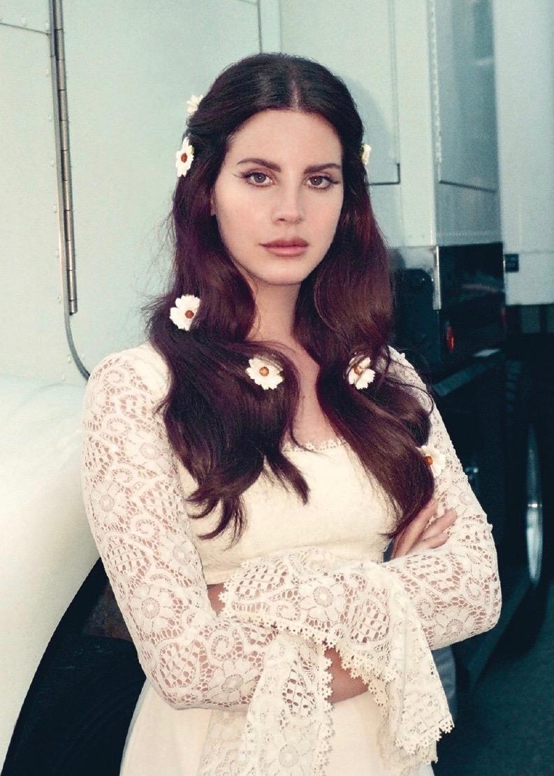 Lana Del Rey Nude Photos 74