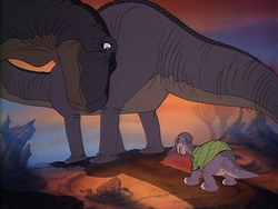 Littlefoot and his mother