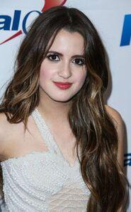 Laura at Jingle Ball (3)