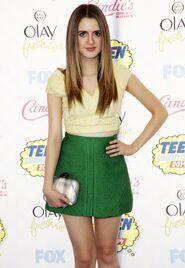 Laura-marano-teen-choice-awards-2014-02