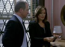 Detectives Stabler and Benson Spooked
