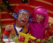 Nick Jr. LazyTown Pixel and Stephanie 25 - The Holiday Spirit