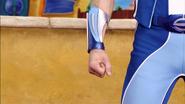 Sportacus hand closed