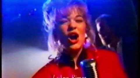 LeAnn Rimes - Put a Little Holiday in Your Heart Target Ad (1996) (featuring Looney Toons)