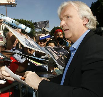 File:Jamescameronlefty.PNG
