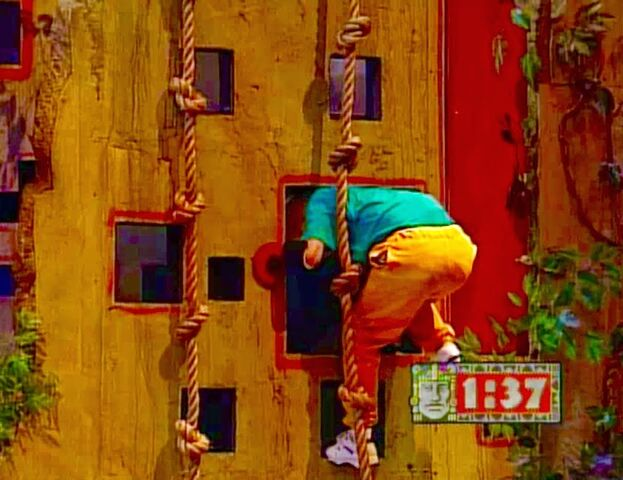 File:Shawn Thompson Enters the Heart Room.jpg
