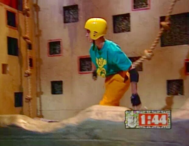 File:Shawn Thompson Runs Through the Wall Climb.jpg