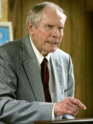 Fred-phelps-300