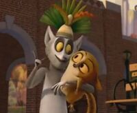 King-Julien-and-Mort-penguins-of-madagascar-20388930-403-331
