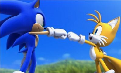 Sonic and Tails Fist Pound