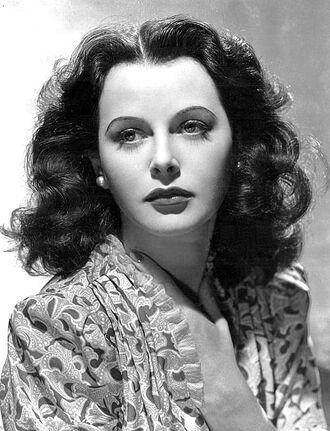640px-Hedy Lamarr-publicity