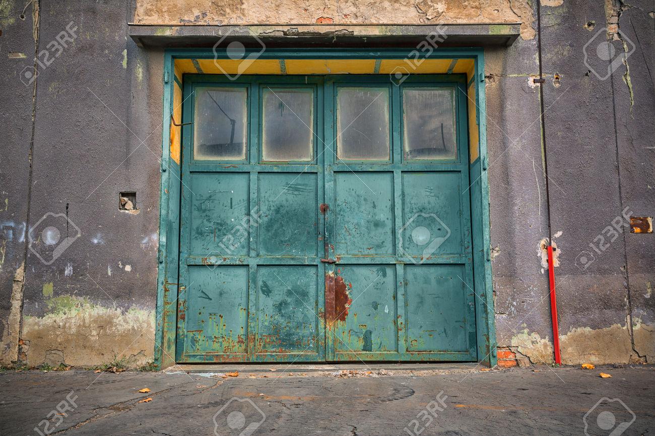 29938190-old-industrial-iron-door-a-machine-factory-Stock-Photo.jpg & Image - 29938190-old-industrial-iron-door-a-machine-factory-Stock ...