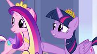 Twilight pointing to Princess Luna S4E25
