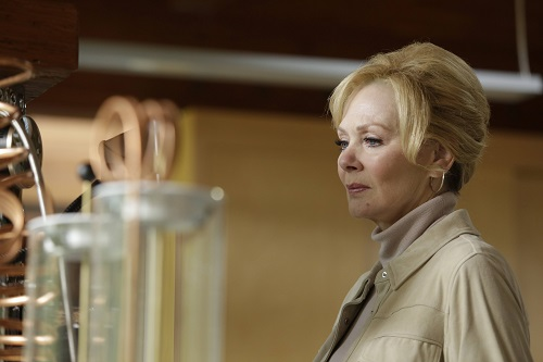 File:Promotional Image 1x03 Chapter 3 (1).jpg
