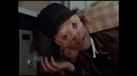 Murdock (captain cab) breaks into a safe