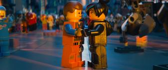 Żyleta i Emmet w Filmie 1