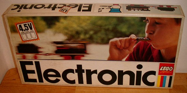 File:138-Electronic Train.jpg