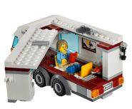 4435 La voiture et sa caravane 5