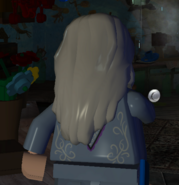Dumbledore, Albus (graue Gewänder, hinten)