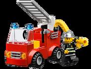 10661 Ma première caserne des pompiers 3