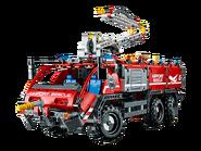 42068 Le véhicule de secours de l'aéroport 8