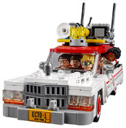 75828 Ghostbusters Ecto-1 & 2 5