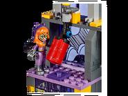 41237 Le Bunker secret de Batgirl 6