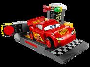 10730 Le propulseur de Flash McQueen 3