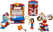 41235 Wonder Woman Dorm