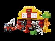 6138 Ma première caserne de pompiers