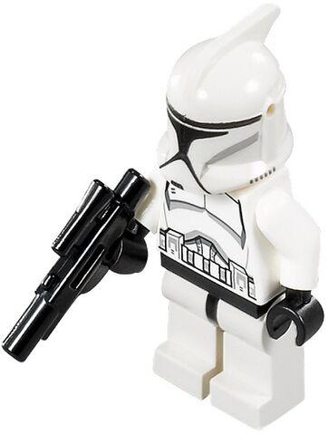 File:Clone Trooper Ep. 2 with Blaster Rifle.jpg