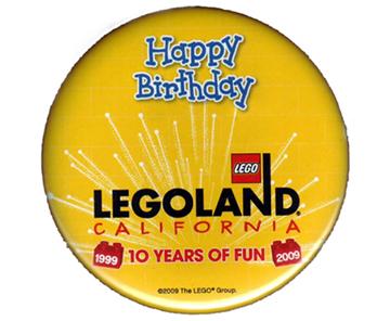 File:Pin49-Legoland California Happy Birthday.jpg