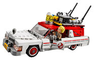 75828 Ghostbusters Ecto-1 & 2 2