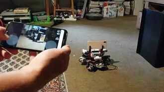 LEGO Mindstorms EV3 OMNI telerobot controlled from a phone.-0