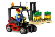 7733 Le camion et son chariot élévateur 3