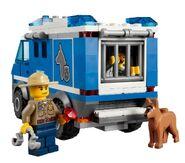 4441 Le fourgon du chien de police 6