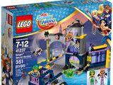 41237 Batgirl Secret Bunker