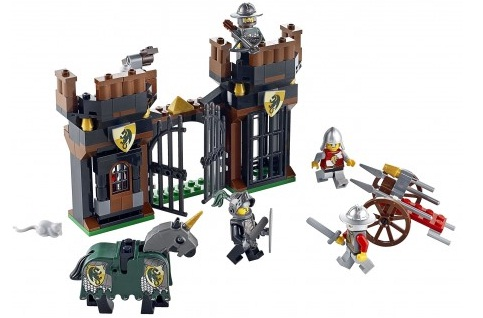 File:LEGO-Kingdoms-7187-Escape-from-Dragons-Prison-Toys-N-Bricks.jpg