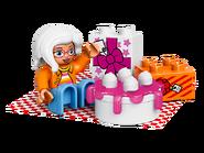 10832 La fête d'anniversaire 2