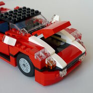 Roter Sportwagen 5867 Kofferraum