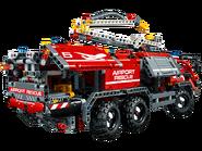 42068 Le véhicule de secours de l'aéroport 3